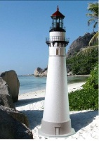 200_seul_choix_lawn_lighthouse.jpg