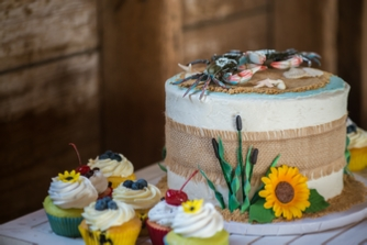 cake with blue crab decorations