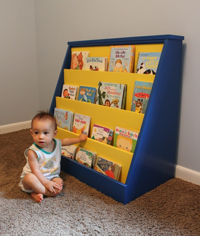 Do It Yourself Home Design: How To Build A Toddler Bookcase. Illustrated Plans With Photos