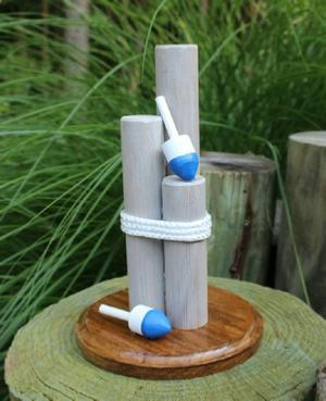 Piling centerpiece with decorative buoys