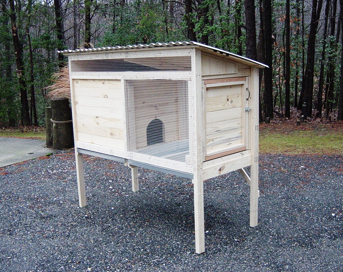 5 ft. rabbit hutch