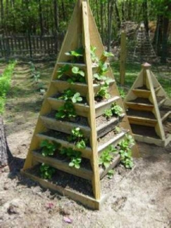 How to build a pyramid strawberry planter. DIY plans.